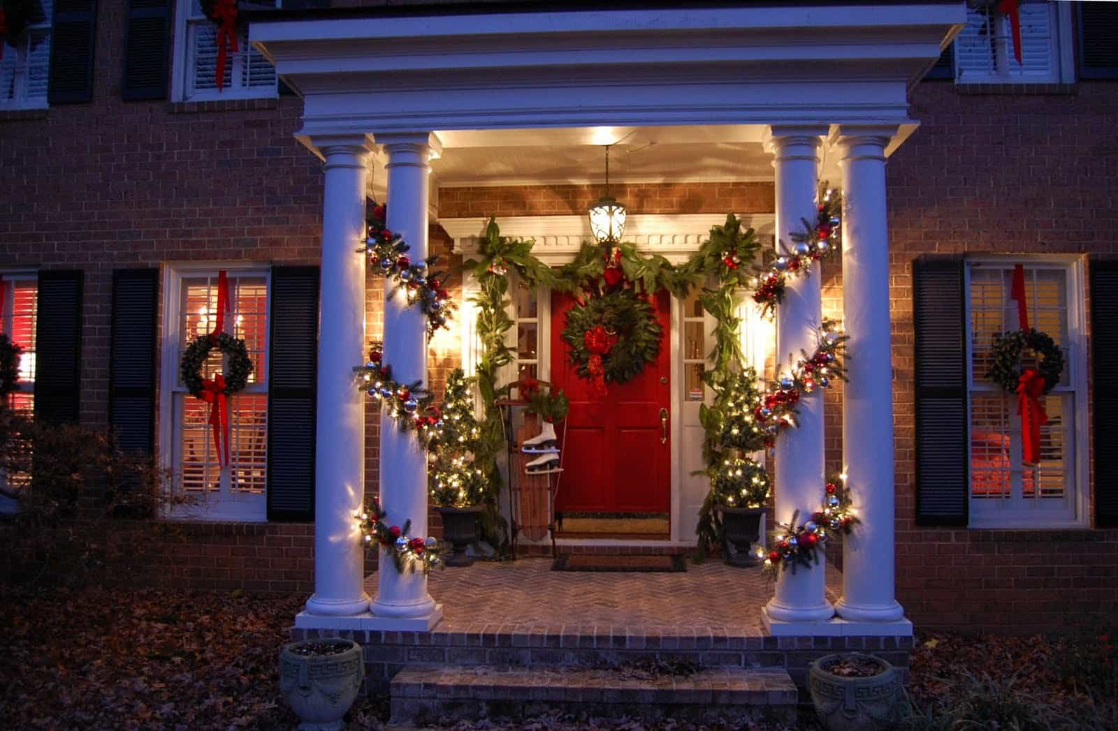 Christmas decorating ideas for your porch for Christmas holiday ideas