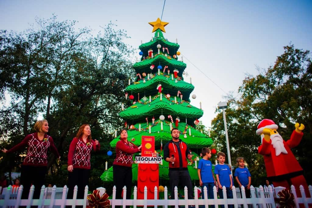 Truck Accessories Florida >> BEST THEME PARKS THAT DECORATE FOR THE HOLIDAYS