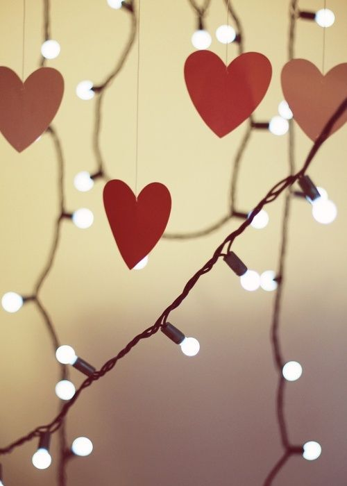 USING CHRISTMAS LIGHTS THIS VALENTINE\'S DAY