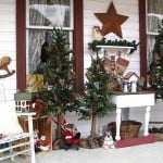 Rustic Front Porch Christmas Decorating