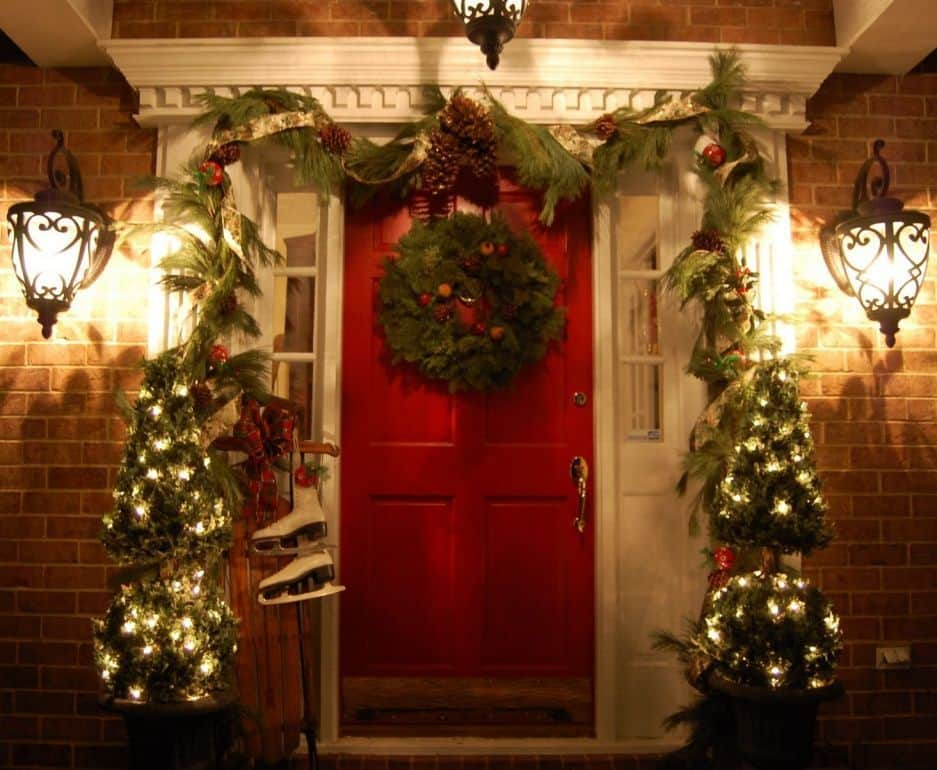 outdoor christmas decoration front porch christmas wreath ideas - Front Porch Christmas Decorations Ideas