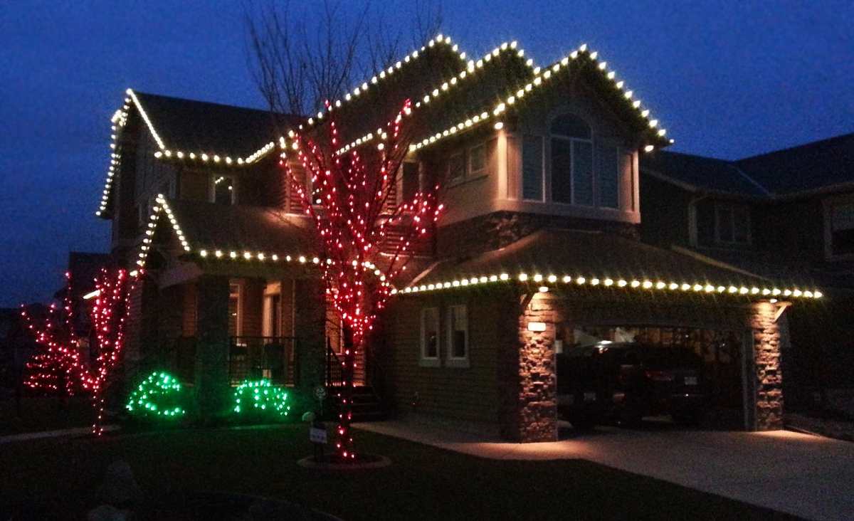 residential christmas light installations - Green And Red Christmas Lights